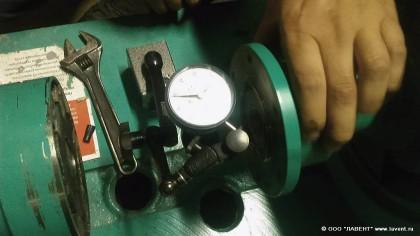 Измерение кривизны вала двигателя